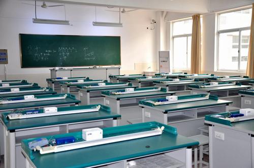 中小学生物实验室