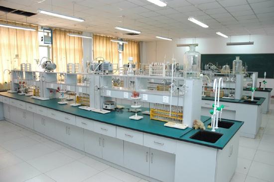 大学实验室01