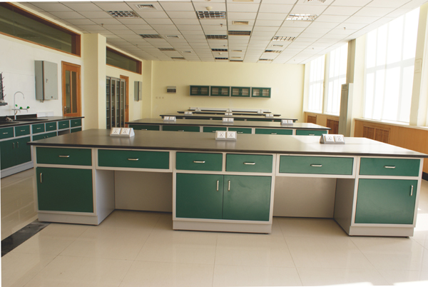 大学实训室06