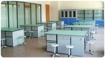 中学劳技操作室